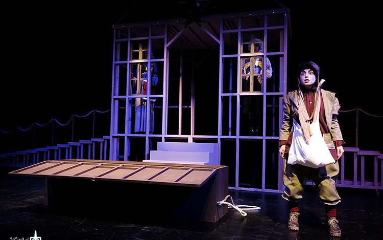 نقدی بر نمایش لاسارو به کارگردانی مسعود رایگان